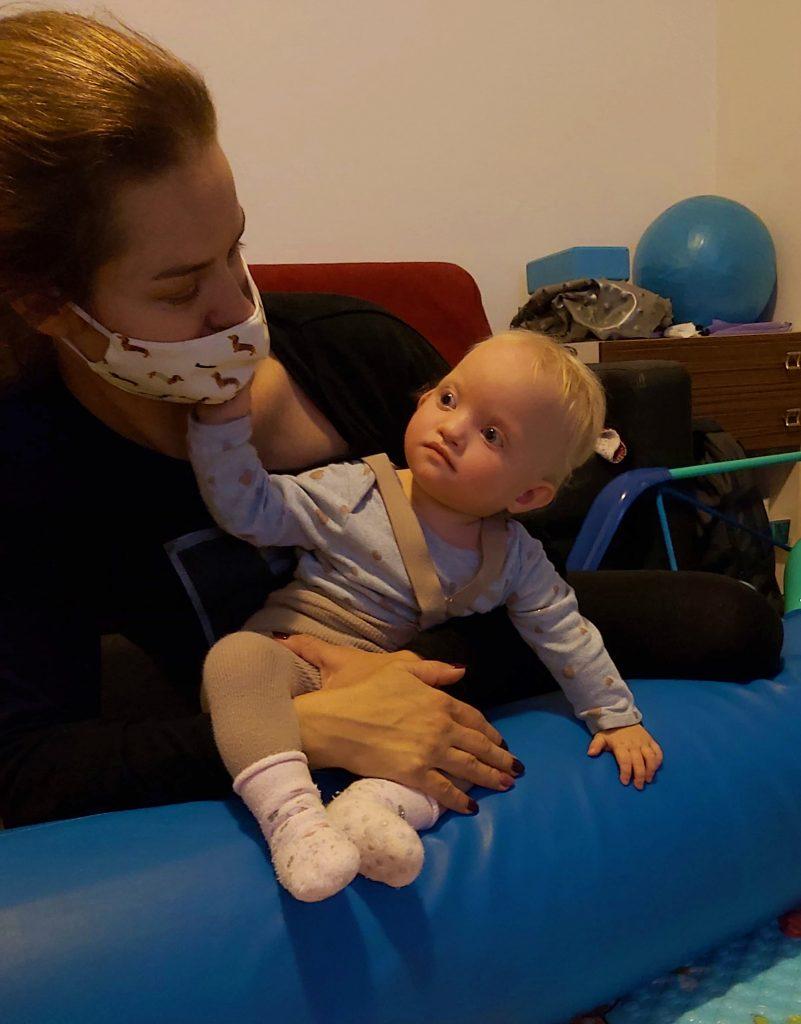 Lea cvičí s Terezkou